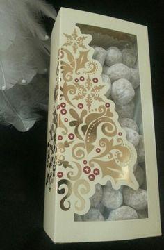 Caja Wilton con bolitas de nuez.