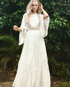 🌿 The 'Is There Love On Mars?' embroidered gown in ivory. #boholuxe #embroidery #artisan #handcrafted #bohemian #bohostyle #bridetobe #bridalshower #bohobride #vintagestyle #fillyboo #beachwedding