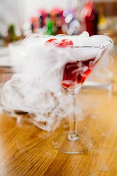 18 spookily delicious cocktails to make this Halloween Dry Ice Drinks, Ice Cream Drinks, Halloween Cocktails, Halloween Party, Cocktail Shots, Raspberry Liqueur, Homemade Liquor, Vodka Cocktails, Pomegranate Juice