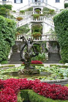 Inconnus/ Villa Carlotta/ 1690/ Lombardie (Italie)