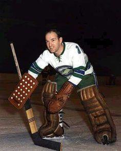 Charlie Hodge Hockey Rules, Pro Hockey, Hockey Goalie, Hockey Players, Nhl, Stars Hockey, Goalie Mask, Oakland California, Vancouver Canucks