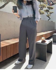 Korean Casual Outfits, Retro Outfits, Cute Casual Outfits, Stylish Outfits, Vintage Outfits, Korean Girl Fashion, Korean Street Fashion, Asian Fashion, Look Fashion