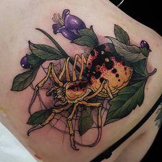 Ideas tattoo traditional spider flower for 2019 Body Art Tattoos, Tattoo Drawings, Sleeve Tattoos, Trendy Tattoos, Cool Tattoos, Sailor Jerry Tattoo Flash, Insect Tattoo, Spider Tattoo, Piercings