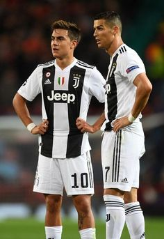 Paulo Dybala of Juventus speaks with Cristiano Ronaldo of Juventus during the Group H match of the UEFA Champions League between Manchester United and Juventus at Old Trafford on October 2018 in Manchester, United Kingdom. Cr7 Juventus, Cr7 Messi, Juventus Players, Cristiano Ronaldo Juventus, Lionel Messi, Juventus Wallpapers, Cristiano Ronaldo Wallpapers, Old Trafford, Manchester United