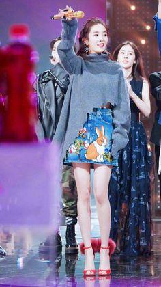 Kpop Fashion, Asian Fashion, Fashion Outfits, Ideal Girl, Stylish Photo Pose, Cute Girl Photo, Girly Outfits, Stylish Girl, Everyday Fashion