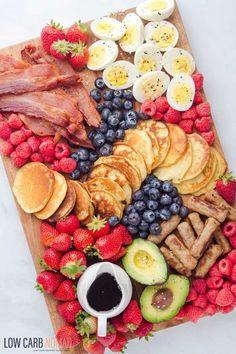Breakfast Platter, Snack Platter, Party Food Platters, Low Carb Breakfast, Best Breakfast, Amazing Food Platters, Breakfast Party Foods, Breakfast Cafe, Pancake Breakfast