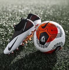 Nike Soccer Shoes, Nike Cleats, Soccer Gear, Soccer Boots, Soccer Ball, Cool Football Boots, Football Shoes, Football Cleats, Souliers Nike