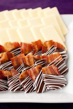 Bacon Birthday Snacks: Chocolate Covered Bacon Bites - Cooking Classy Chocolate and bacon are two of the best ingredients ever invented, and this recipe blends them both together for chocolate-covered bacon treats. Köstliche Desserts, Delicious Desserts, Dessert Recipes, Yummy Food, Healthy Food, Chocolate Covered Bacon, Chocolate Dipped, Bacon Chocolate, Guinness Chocolate