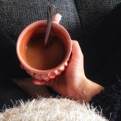 Advent második vasárnapja hozzávalók:  egy forró tea  egy borzasztó torokfájás  egy hétről hétre egyre nagyobb has.  . . . #advent #tea #agyerekmellett #gyerekkelazélet #egyszerű #lassuljle #16weekspregnant #vidékiélet #karácsony #kismama #kismamavagyok #tél #otthon #keresdamagyardizajnt #mik #magyarinstagram #magyarinsta #debrecen #anyavagyok #anyaleszek #slowparenting Advent, Tableware, Kitchen, Dinnerware, Cooking, Tablewares, Kitchens, Dishes, Cuisine