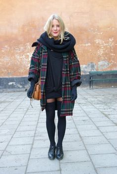 Wool Plaid Oversized Coat & Black Knit Scarf # Fall Fashion Ideas. http://momsmags.net