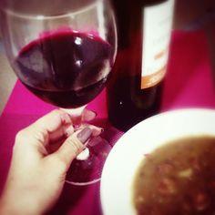 #mulpix Frio + chuva + vinho + lentilha = combinação perfeita.   #frio  #vinho