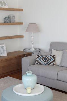 La nueva casa de Sara Carbonero en Oporto con muebles Kenay Home - sofa y cojines