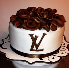 Louis Vuitton Birthday Cake Cupcake Cakes, Cupcakes, Pastry Cake, Birthday Cakes, Pastries, Louis Vuitton, Sweet, Desserts, Candy