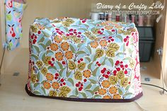 Diy Sewing machine cover.. I must do this for my sewing machine!