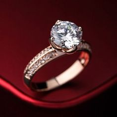 New Unique Solitaire Style Crystal Alloy With Gold Plated Women's Ring