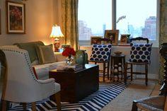 city apartment decor City Apartment Decor, Apartment Living, New York Apartments, Art Deco Home, Blue Color Schemes, City Living, Living Room Inspiration, Family Room, Sweet Home
