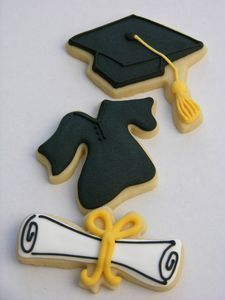 25 Best Graduation Cookies Ideas So That You Can Congratulate The Young Graduate in the Most Delicious Way - Hike n Dip Iced Cookies, Cut Out Cookies, Cute Cookies, Royal Icing Cookies, Cupcake Cookies, Sugar Cookies, Crazy Cookies, Graduation Desserts, Best Graduation Gifts