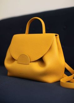 Find tips and tricks, amazing ideas for Prada handbags. Discover and try out new things about Prada handbags site Bag Prada, Prada Handbags, Hobo Handbags, Purses And Handbags, Leather Handbags, Luxury Handbags, Leather Purses, Cheap Handbags, Hobo Purses