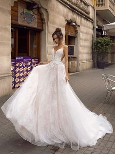 Wedding Dress Ball Gown tina valerdi 2019 wedding dresses natural waist tulle short sleeves ball gown open back Whitney - If you are looking for chic and elegance for your bridal outfit, take a look at these marvelous Tina Valerdi 2019 wedding dresses. Outdoor Wedding Dress, Lace Wedding Dress, Princess Wedding Dresses, Tulle Wedding, White Wedding Dresses, Wedding Gowns, Wedding Bride, Wedding Venues, Cinderella Wedding