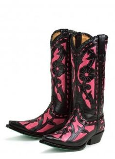 Pink Cow Girl Boots but I want them in blue :)