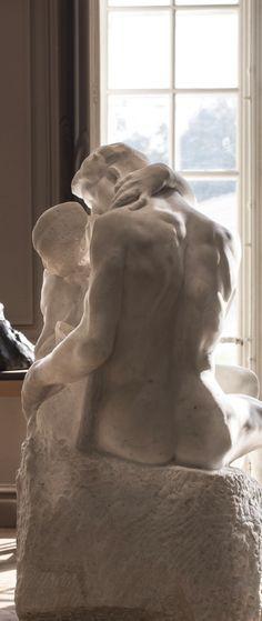 Auguste Rodin-Le Baiser (1882)
