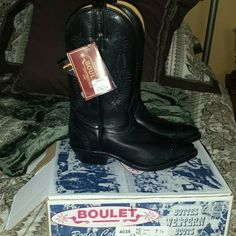 BOULET  COWBOY BOOTS .. BRAND NEW WITH TAGS & BOX These are black  very great quality leather Boulet size 7 1/2 western cowboy boots. Beautiful black stiching on sides And on toe. BOULET Shoes