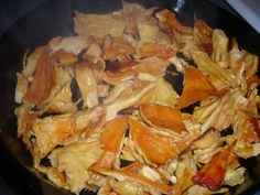 Chicken of the Woods Mushroom Recipes Grilling Recipes, Beef Recipes, Chicken Recipes, Healthy Recipes, Drunken Chicken, How To Cook Chicken, Edible Mushrooms, Stuffed Mushrooms, Wild Mushrooms