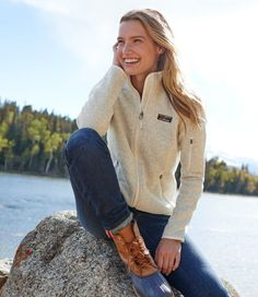 Women's L.Bean Sweater Fleece Full-Zip Jacket Women's L.Bean sweater fleece jacket with full zip Adrette Outfits, Outfits Damen, Casual Preppy Outfits, Beach Outfits, Mode Plein Air, Fall Winter Outfits, Autumn Winter Fashion, Cute Hiking Outfit, Hiking Boots Outfit