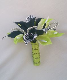 Wedding bouquet made out of crepe paper by The Paper Blooms