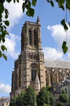 Saint-Gervais-et-Saint-Protais Cathedral, Soissons, Picardy, France   http://www.pinterest.com/adisavoiaditrev/