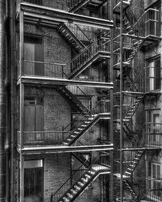 Cuantas cosas pasarían en esas escaleras.