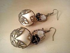 pendientes victorianos  piezas de resina,metálicas en oro viejo,piezas metacrilato ensamblaje