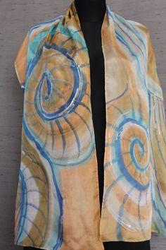 Pintado a mano bufanda de seda con remolinos por singingscarves
