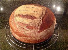 Mijn familie brood Recept staat op: https://www.facebook.com/kokenenbakkenmetmarion/