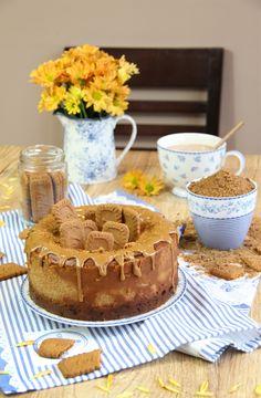 Deliciosa cheesecake hecha con crema de Lotus y base de galletas Lotus. Una tarta de queso con un intenso sabor a especulos que no te decepcionará.