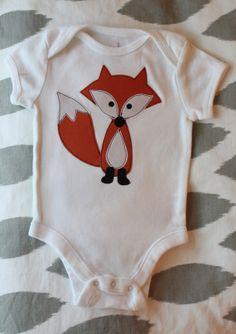 Fox Applique Bodysuit von allisonparkerdesigns auf Etsy, $18.00