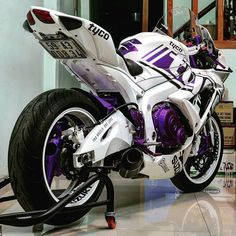 New motorcycle suzuki gsxr Ideas Futuristic Motorcycle, Suzuki Motorcycle, Motorcycle Helmets, Ninja Motorcycle, Motorcycle Quotes, Custom Sport Bikes, Power Bike, Auto Retro, Vw Touran