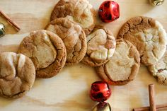 Ouh Love this idea!  Swirl together gingersnap & snickerdoodle cookie dough to make Gingerdoodles / Snickersnaps. YUM!