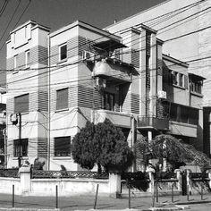 S U N & S T R I P E S  Gorgeous art déco residential building from the 1930s in a quiet district of Northern Bucharest Romania.  #bucuresti #Bucharest #romania #igersbucharest #igersromania #like4like #all_shots #ig_bucharest #ig_europe #ig_romania #instadaily #archilovers #archidaily #huffpostgram #global_hotshotz #urban #urbanphotography #lonelyplanet #communityfirst #streetphotography_bw #bnw #bw #monochrome #artdeco #modernarchitecture #geometry #architectureporn #instamood…