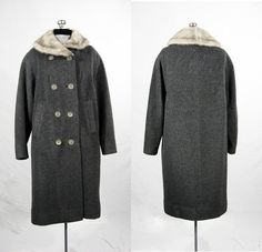 Vintage 1950s grey wool coat with fur collar. by VintageRoseTattoo