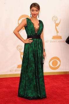 EMMY AWARDS 2013 RED CARPET ARRIVALS AND SHOW