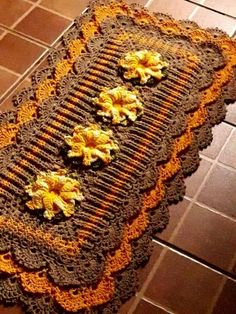 20+ Alfombras de Cocina de Ganchillo Crochet Fall, Fall Table, Crochet For Beginners, Crochet Doilies, Plastic Canvas, Shag Rug, Crochet Projects, Free Pattern, Diy And Crafts