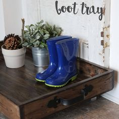 Woodworking For Kids Pictures DIY Shoe Rack - Magnolia Boot Tray.Woodworking For Kids Pictures DIY Shoe Rack - Magnolia Boot Tray Do It Yourself Furniture, Do It Yourself Home, Diy Furniture, Woodworking For Kids, Woodworking Projects, Diy Projects, Project Ideas, Woodworking Joints, Woodworking Patterns