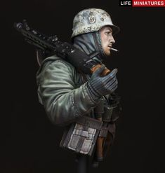 Life Miniatures has a new scale bust of an gunner in the winter battle of Kahrkov on the Eastern Front, WWII in This one . Lee Price, The Modelling News, Ww2 Uniforms, Head Unit, Pretty Tough, Military Modelling, Military Diorama, Figure Model, Model Building