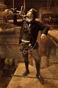 Steampunk fashion // a great steampunk outfit. Just the way a true old-schooler dresses