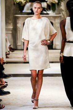 Inspiration Mariage: Ralph Lauren croisière 2014 http://www.vogue.fr/mariage/inspirations/diaporama/croisiere-en-blanc/16285/image/881507#!mariage-robe-de-mariee-inspiration-ralph-lauren-croisiere-2014
