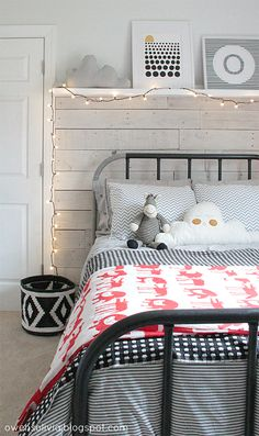 Deco Peques: Decora con una cama de HIERRO, ¿NIÑO O NIÑA? Funda Ikea rayitas gris y blanca