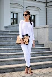 Total white look plus cheetah Hot Outfits, Fashion Outfits, Womens Fashion, Look Plus, Casual Street Style, Fashion 2020, Autumn Winter Fashion, Winter Style, Passion For Fashion