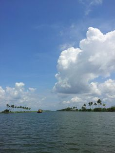 Backwater kerala | Kerala tour deal | Key word : Hot Tour india, Trip india, holiday package india, tourism india, tourist place india, know about indian culture - http://india.mycityportal.net