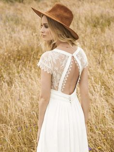 Elegant Bohemian Decor: Indie wedding dresses from Sugar and Spice.